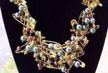 Jewelry / safeti pin