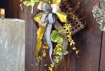 Wreaths, Door Hangings & Swags / by Janeen Home Decor