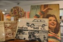 Museum Shop / Vintage travel items, vintage American bijoux, books, gadgets and much more. Buy an original piece of history!