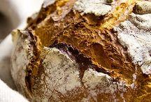 """REZEPTE // BROT & BRÖTCHEN / Schon in der Bibel steht geschrieben """"Unser täglich Brot gib uns heute"""". Deine ganz persönliche tägliche Dosis Brot, findest du hier auf diesem Board."""