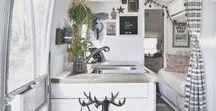 MINIMALISMUS // TINY HOUSES / Auf kleinem Raum lebt es sich wunderbar. Hier zeige ich Tiny Houses zum verlieben, sowie Tipps, Tricks und clevere Stauraum-Lösungen für das Leben in kleinen Häusern und Wohnungen