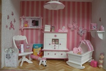 Babies roomboxes / http://www.guzziminiature.com/
