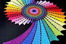 мы плетем кружева, что прекрасней на свете