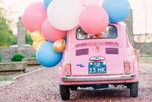 Hochzeits-Fahrzeuge / Worin Sie zur Trauung oder Feier fahren können - und wie Sie Ihr Gefährt noch schöner machen.