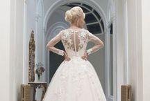 Brautkleider / Es gibt taaaaausende wunderschöne Brautkleider - farbige, kurze, lange, voluminöse, sexy, romantische, schlichte, elegante, moderne! Wir zeigen einige Inspirationen, die zum Träumen verführen...