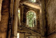 Abandoned places / Beautiful pictures of abandoned places. They look eerie and peaceful at the same time.