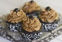 Cupcakes Galore! / Ideas for a cupcake business / by Kirstie Ketterman