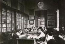 #curiositats / Calaix de sastre de fotografies amb la Biblioteca com a element central