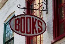 """Libri - Books / """"Entrai nella libreria e aspirai quel profumo di carta e magia che inspiegabilmente a nessuno era ancora venuto in mente di imbottigliare."""" (Carlos Ruiz Zafón) / by Laura Forgione"""