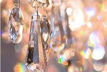 Peças para Lustres e Decoração / Aplicações diversas dos pendentes de cristal para lustre em Bijuterias, Bordados, Lustres, Decoração de Ambiente, Festas, Casamentos.