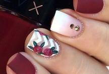 ô les jolis ongles / Pour le plaisir des yeux :) Les #avisconso sur les vernis à ongles c'est par ici : http://www.ciao.fr/Vernis_a_Ongles_290663_4