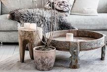 D E C O R / Pillows, table settings, floral arrangements and more. All the little extras that make your home beautiful.