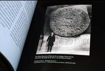 Aztécký kalendář / Aztec calendar (1kg coin Ag 999/1000) / Seznamte se s jednou z nejkrásnějších a nejdetailněji zpracovaných mincí světa, která plným právem patří mezi skutečné hvězdy numismatického nebe.