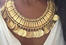 Montres & Bijoux / La mode sans accessoires n'est pas une mode ! Découvrez les #montres et #bijoux pour affirmer votre style !