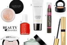 my beauty bag / All the products I'm loving...