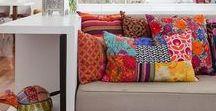 Pillows, cushions & poufs