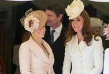 Divat ❤ Brit Királyi Ház / Elbűvölő, sikkes és stílusos outfitek a brit királyi ház tagjaitól - Katalin hercegné, Diana hercegné, Erzsébet királynő, Sophie hercegné és más családtagok legjobb ruhái. | #divat #stílus #outfit #BritKirályiHáz #KirályiDivat #KatalinHercegné #DianaHercegné #ErzsébetKirálynő #royalfashion #theBritishroyals #CatherineMiddleton #DuchessofCambridge #PrincessDiana #QueenElizabeth