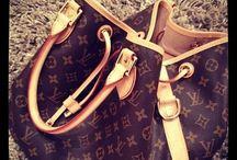 Handbags / Handbags