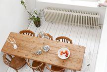 Dining Table / Tavoli da pranzo, sedie e voglia di sedersi a mangiare con gli amici