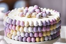 Easter food and snacks / Ideas for meals and desserts for Easter - also includes decorating ideas for Easter cakes.