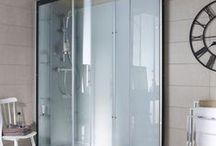 Focus : Douche / La douche, élément pratique de la salle de bain, profite des innovations design et techniques pour optimiser l'espace en beauté !