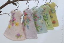 Cindy Rice Designs / cindyricedesigns.com--------hand knit and embroidered fashions for dolls