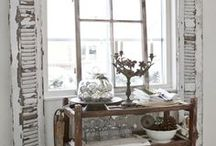 Chippy and Shabby   / Real life vignettes that inspire us at Mini-ologie...