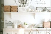 Farmhouse Style / Real life vignettes that inspire us at Mini-ologie...