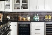 Kitchen inspiration / Great ideas, thoughts, and images of kitchens that provide inspiration.