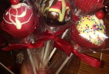 cupcakes. cookies and cake pops / by Darlene Redongo