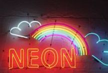 Trend: Neon / Neons The electric shades that hit their peak in the '80s are returning in a much more sophisticated way, now paired with neutral colors such as gray, navy, or camel.