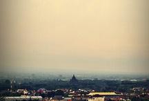 Ratu Boko - Prambanan Jogja / Ratu Boko adalah peninggalan bersejarah yang ada di Daerah Istimewa Yogyakarta. Berjarak kurang lebih 15 km dari pusat kota. Disinyalir peninggalan Nabi Sulaiman dan Ratu Bilqis.