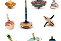 Brinquedos giros em madeira