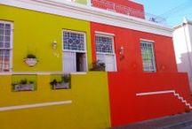 Cape Town - Kapkaupunki, Africa Experts / Kapkaupunki on monille ensimmäinen kosketus Etelä-Afrikkaan. Elämä ja luonto on siellä hyvin eurooppalaista viinitarhoineen ja liikekeskustoineen. Townshipeissä saa kuitenkin värikkäämmän tuntuman afrikkalaiseen todellisuuteen.