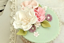 Gorgeous Cupcakes / by Danielle Fritsema