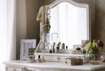 Makeup Vanity & Storage / by Mary Flores