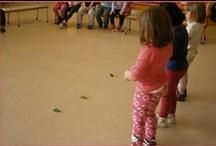 Giochi con i bambini / Attività ludiche per i bambini, sia di gruppo che da soli