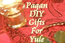 Yule Celebrations, Recipes and Crafts / Yule recipes, celebrations, and easy diy crafts for the most wonderful time of the year... as they say. Check it out for everything from #Krampus to Kris Kringle. #Yuletide fun for everyone !
