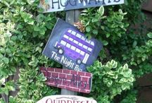 Party decorations / Amazing decorations to make or buy to make your home look like Hogwarts!
