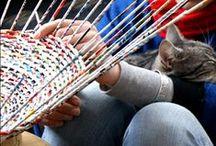 Люди плетут корзины :)