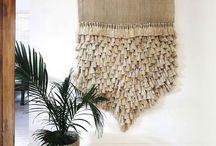 COUCH ♥ Tapestry / Gewebt, bemalt oder geknüpft als Makramee: Wandteppiche sind unser Deko-Comeback des Jahres