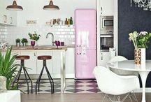 Wohnideen für eine gemütliche Küche / Wohninspiration für dein Zuhause. Hier findest du jede Menge Einrichtungsidee und Wohnideen für eine schöne und gemütliche Küche.