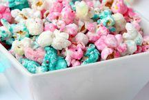 Süßigkeiten selber machen / Hier findest du Rezepte um leckere Süßigkeiten selber zu machen. Ob leckere Schokolade, Fruchtgummi, Kekse, Marshmallows, Bonbons oder andere Leckereien. Entdecke jede Menge leckere Rezepte und Ideen.