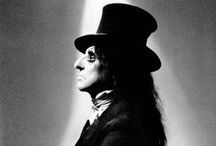 Alice Cooper / American freak, but a great one!