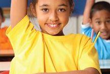Por Ser Menina / Quem acha que todas as meninas do mundo têm direito à educação, levante as mãos!