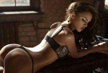 Sexy Girls - Hot Body / Sexiness - Sensuality - Seduction