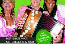 Themafeest Tiroler gelach / Het enige wat ontbreekt is 12 uur in de bus zitten.  Het entertainmentteam van het Tiroler gelach is te reserveren als bedrijfsfeest, personeelsfeest, buurtfeest, familiefeest, tentfeest of andere gelegenheid op iedere gewenste locatie of festival in Nederland of als all-inclusive besloten themafeest op onze vaste locaties.