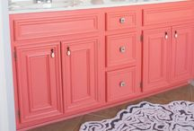 Decorating Ideas: Bathrooms / Creative ideas to pamper the powder room!