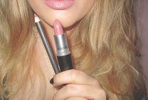 // makeup \\ / Aka my life
