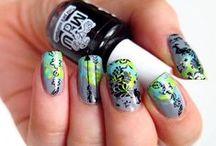NAILS: Stamping / Stramping nail art inspirations, trick and tutorials. Beautiful nails!